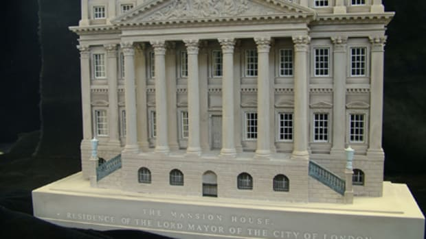 This plaster model of the Mansion House, one of the grandest surviving Georgian town palaces in London, was created by Timothy Richards in 2005. The building was constructed after the Great Fire of London and the First Lord Mayor took up residence in 1752.