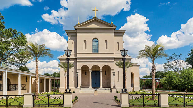 new traditional Roman Catholic Church