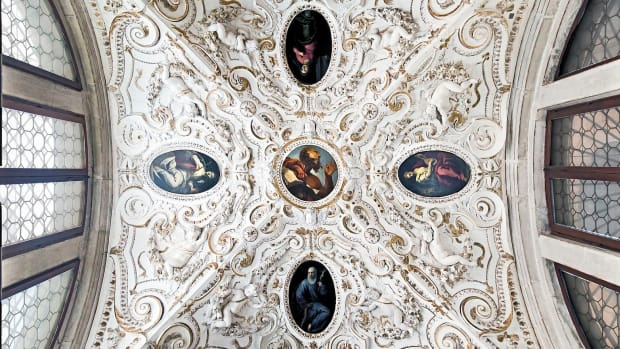 Interior_of_Santi_Giovanni_e_Paolo_(Venice)_-_Madonna_of_Peace_ceiling