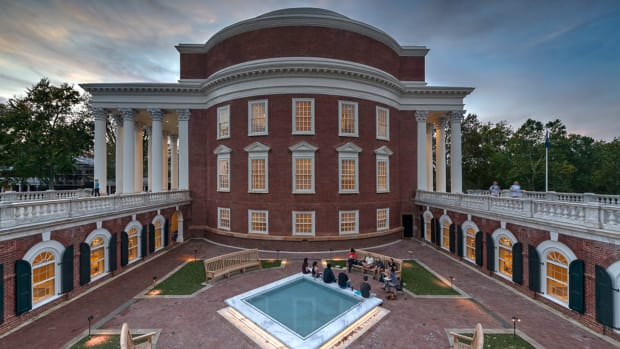 Contextually designed courtyards were constructed to the east and west of the Rotunda in the spaces enclosed by the terrace wings and connecting colonnades. Olin designed a new fountain for the east courtyard, shown here. The terrace wings were renovated and restored to house offices and classrooms. New mechanical and service areas are located beneath the east courtyard.