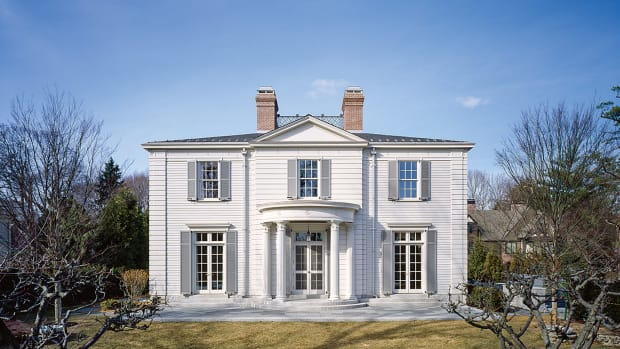 House in New England Architecture