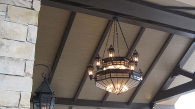 Steven Handelman_montage.deer valley.entry chandelier