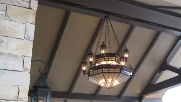 Steven Handelman_montage.deer valley.entry chandelier