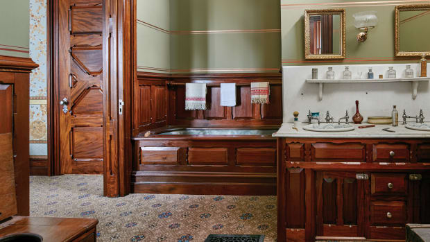 Mark Twain house dressing room, Mark Twain house bathroom