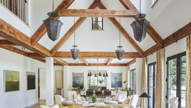 BarnesVanze English Country-style living room