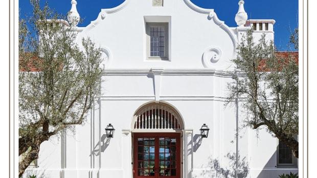 2021 Palladio Award winner, exterior door Rancho Sabino Grande