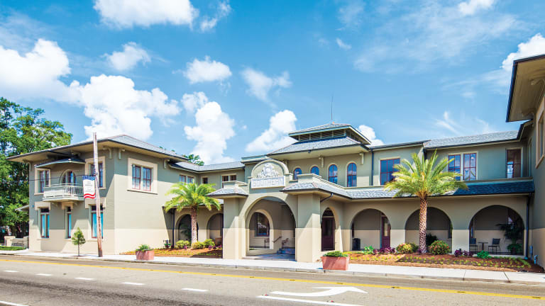 Trapolin-Peer Architects Restores Southern Hotel
