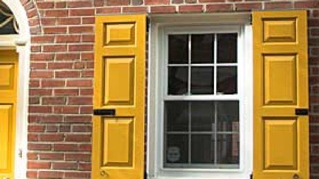 timberlane-yellow-shutters