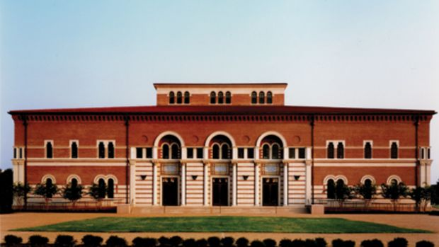 The Baker Institute at Rice University was conceived as a square plan with a clerestory-lit central commons. HBRA drew inspiration from Lovett Hall, an iconic campus building designed by Ralph Adams Cram.