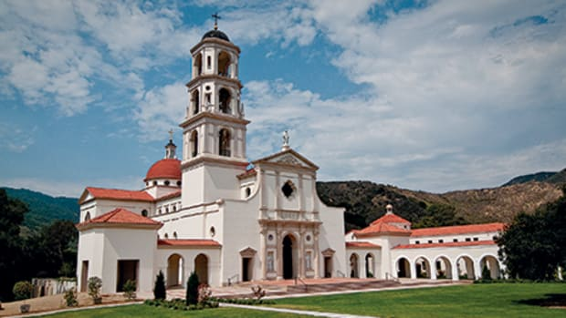 The Our Lady of the Most Holy Trinity Chapel at Thomas Aquinas College in Santa Paula, CA, combines Early Christian, Renaissance and Spanish Mission styles to create a new centerpiece for the campus. Photo: Duncan Stroik