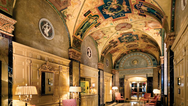 Sherry-Netherland Hotel
