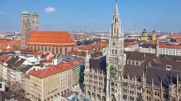 1B-Frauenkirche%2c Town Hall%2c Munich