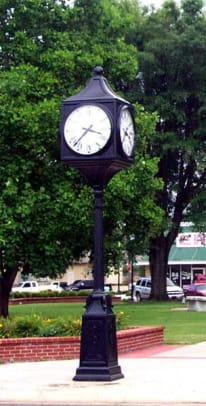 herwig-lighting-victorian-four-faced-street-clock