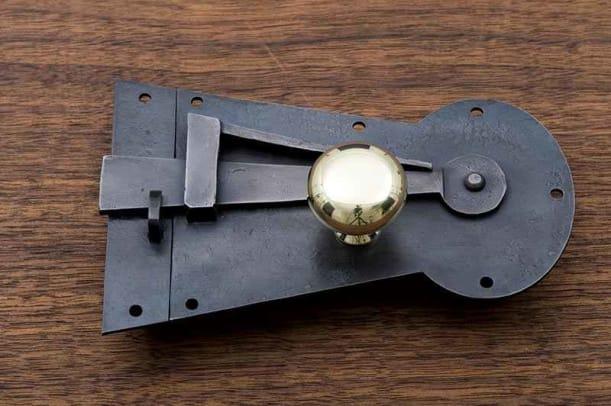 ball-and-ball-latch