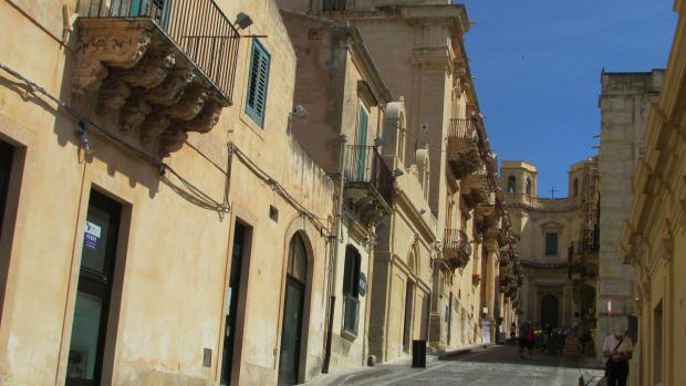 Westfall 6 2-3 Noto Valladorata palace P Libisi 1733