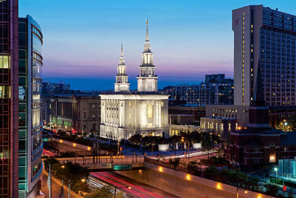 lds-1-philly-pa-temple-exterior-night2016
