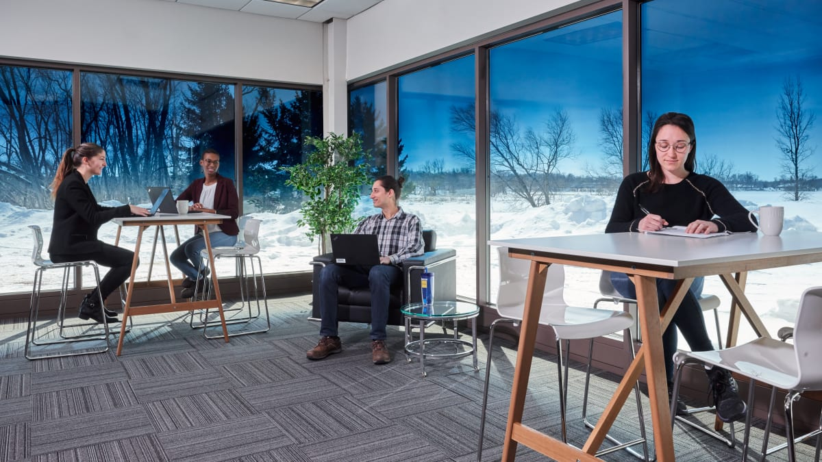 Saint-Gobain's SageGlass Harmony™ Wins FacilitiesNet Vision Award