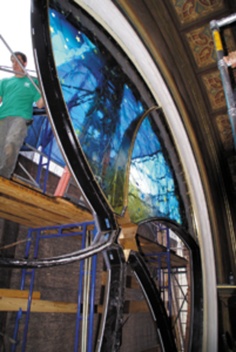 installing the Eldridge Street Synagogue's Art Glass