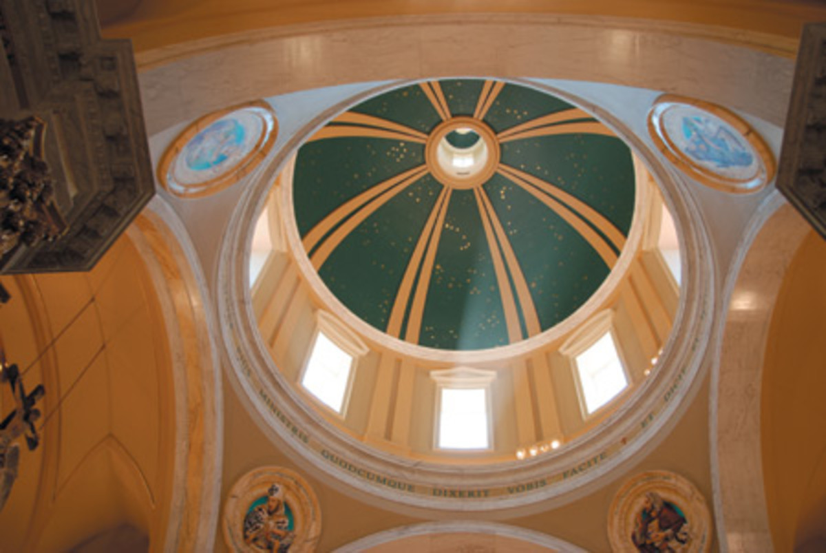 The 35-ft. dia. dome rises approximately 98 ft. above the marble floor. It is decorated with a mural depicting the various constellations as they were thought to have appeared in the sky above Mexico City on the day Our Lady of Guadalupe appeared on December 12, 1531.