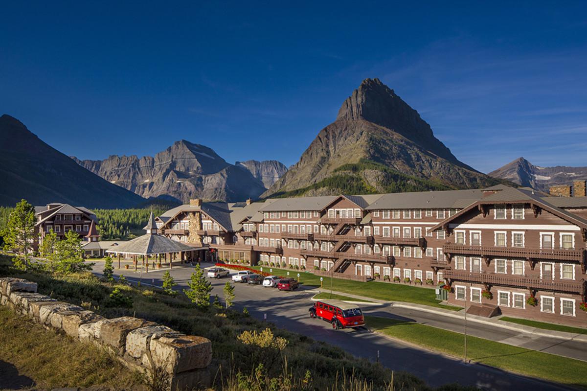 Many Glacier Hotel.