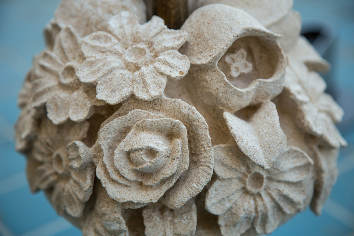 stone carved bouquet