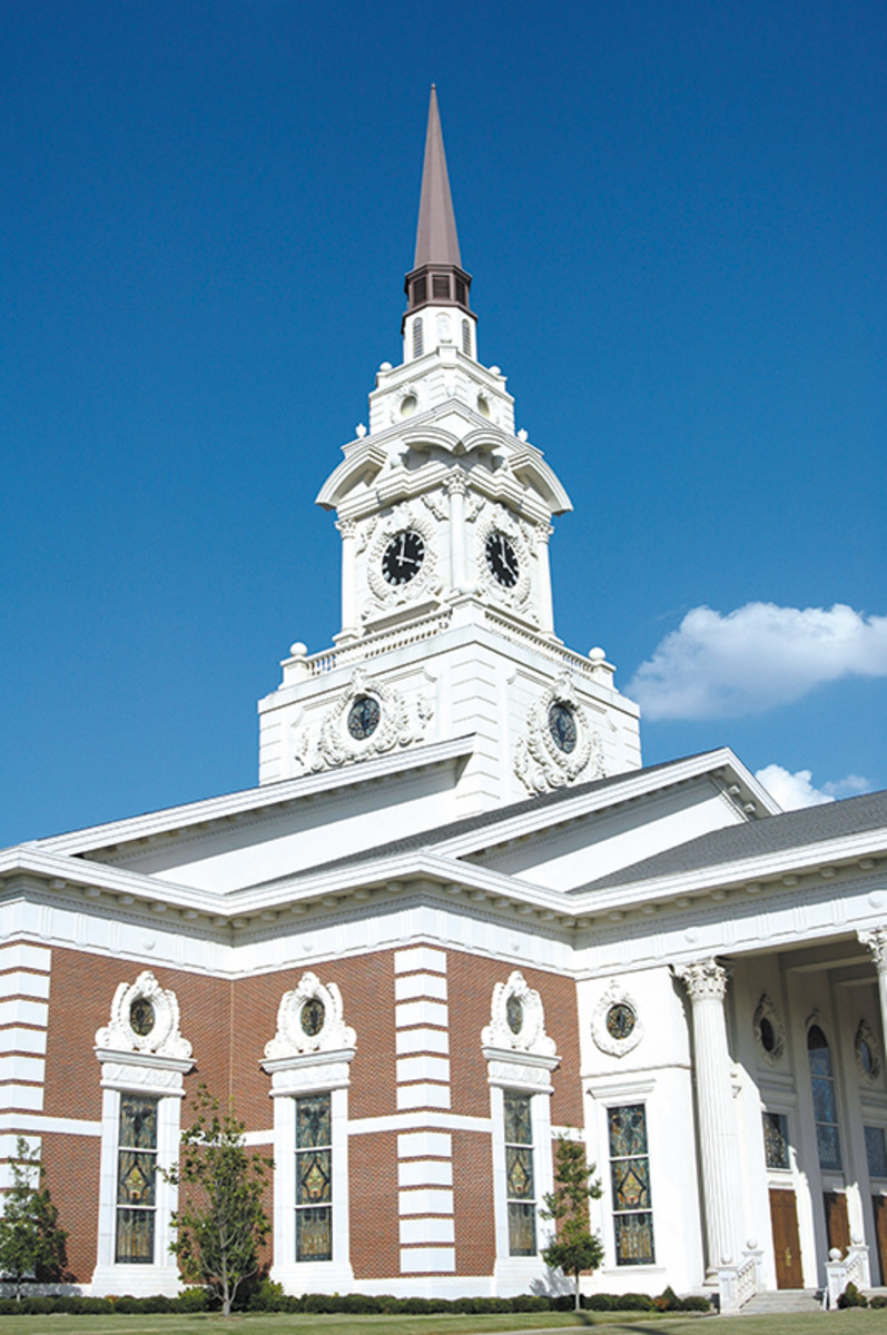 The First Pentecostal Church, a grand Beaux Arts-style building, was designed by Michael Hahn & Associates of Little Rock in 1992 to replace a smaller building that the congregation had outgrown. The dome is not visible from the exterior; it is beneath the tower.