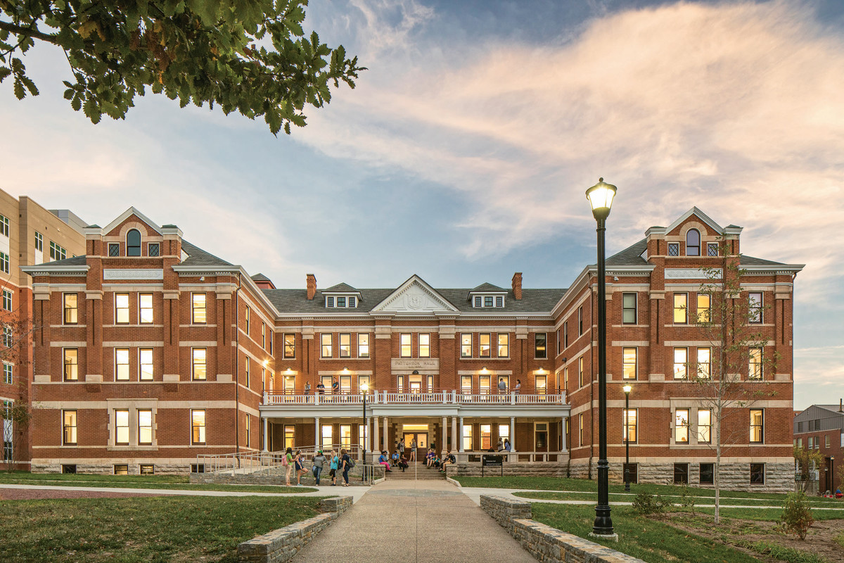 When it opened in 1904, the University of Kentucky's Patterson Hall was its first dorm for women. More than 100 years later, Lord Aeck Sargent has transformed it into a learning/living center that features classrooms, faculty offices and apartments for visiting professors. All photos, unless otherwise noted: ©Brad Feinknopf/OTTO 2016