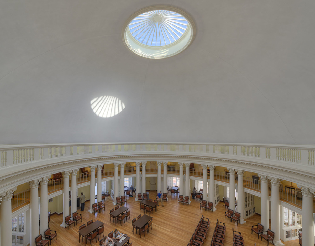 The restored dome room is used as a library and study, and can accommodate up to 200 people for lectures, receptions and dinners.