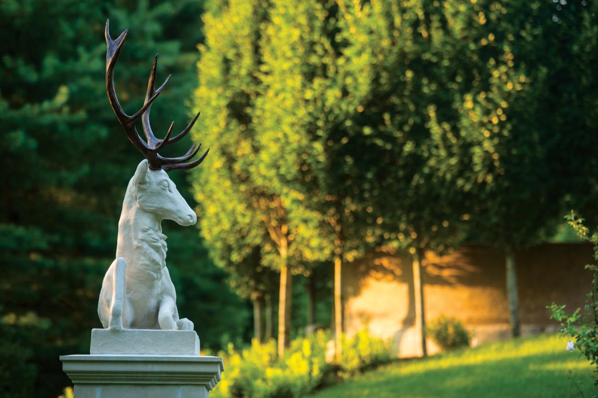 wild stag statue