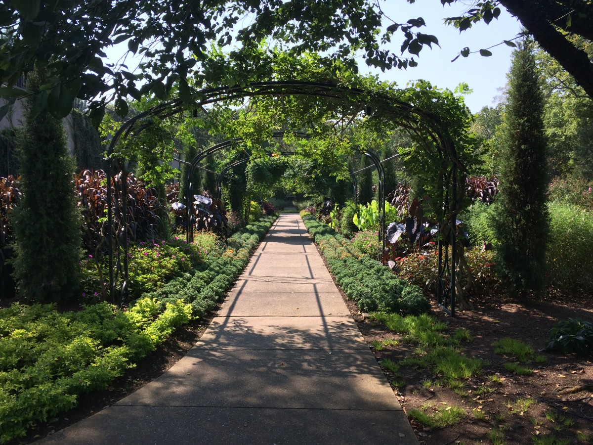 "Ben Page's seminar, ""Tradition in Transition"" featured heritage gardens such as Cheekwood Gardens in Nashville, TN."