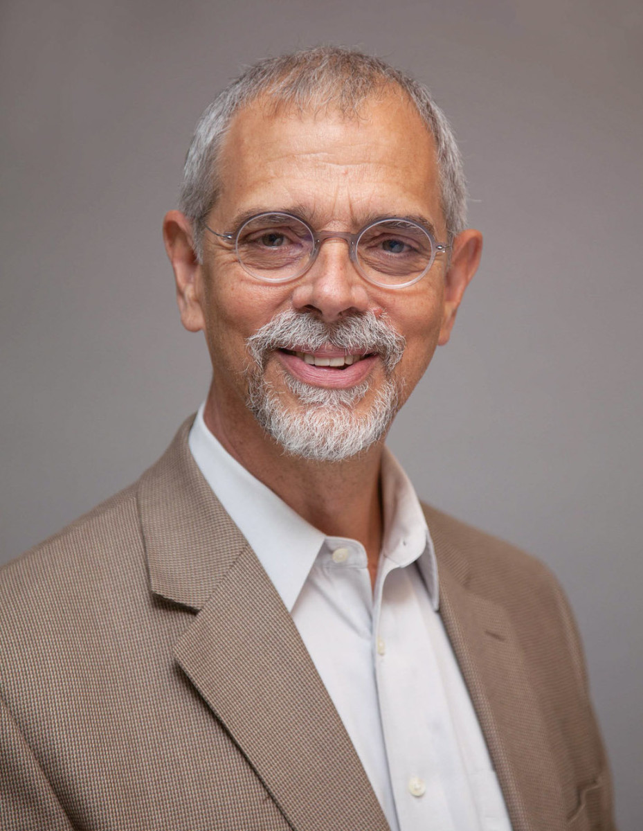 Carl Elefante