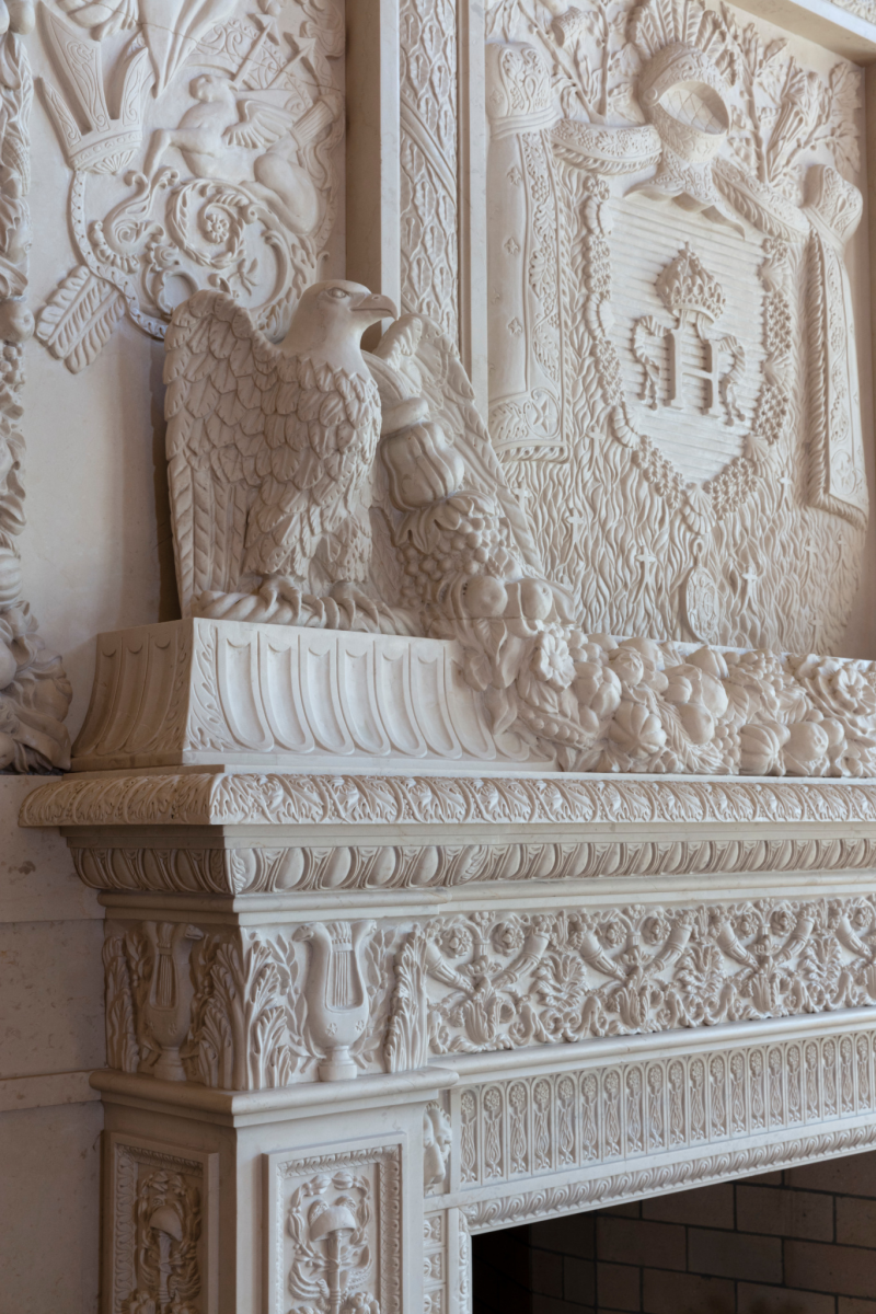 marble fireplace carved by ARTE 2000