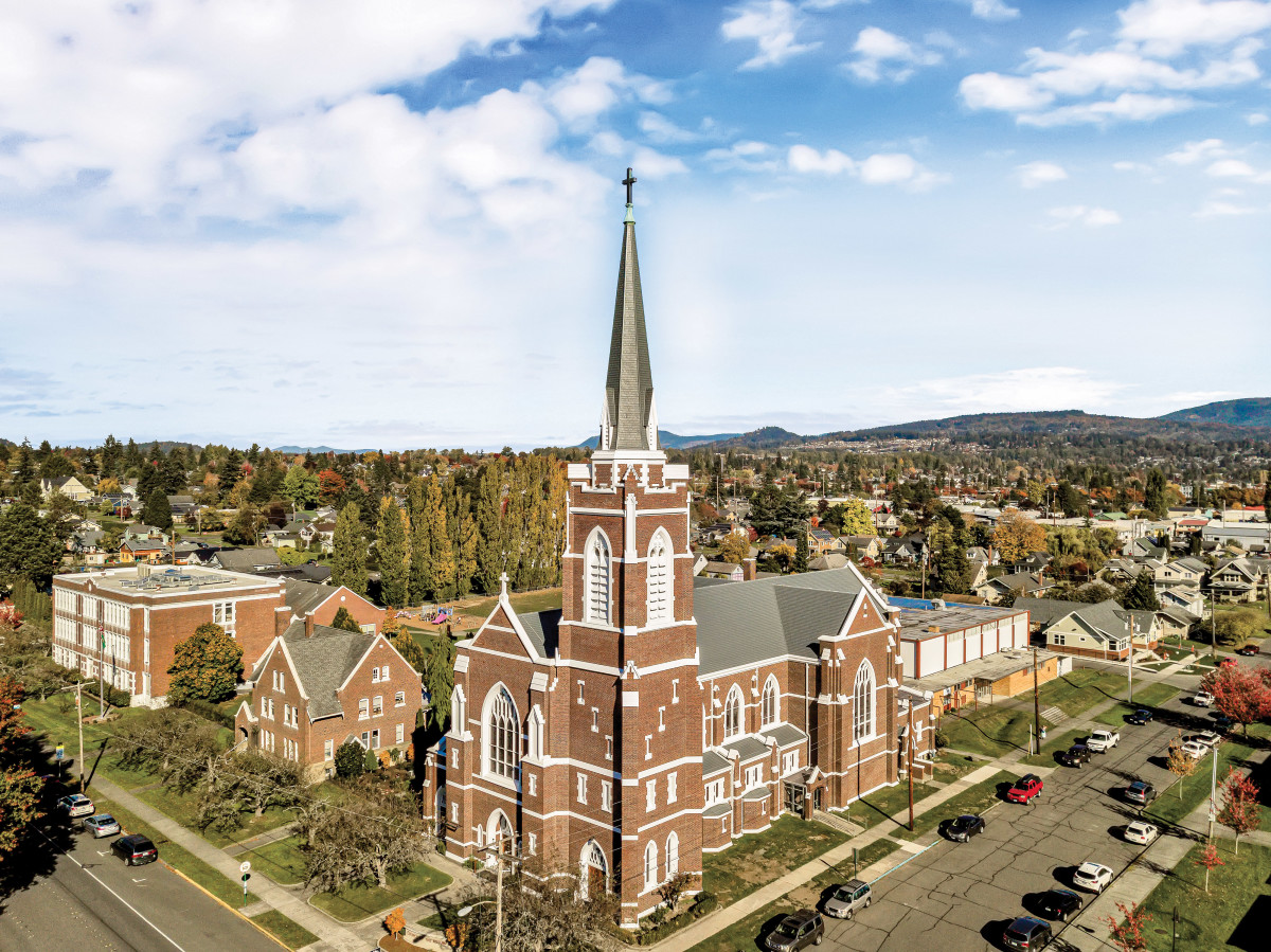Certainteed Replaces Church Roof Traditional Building