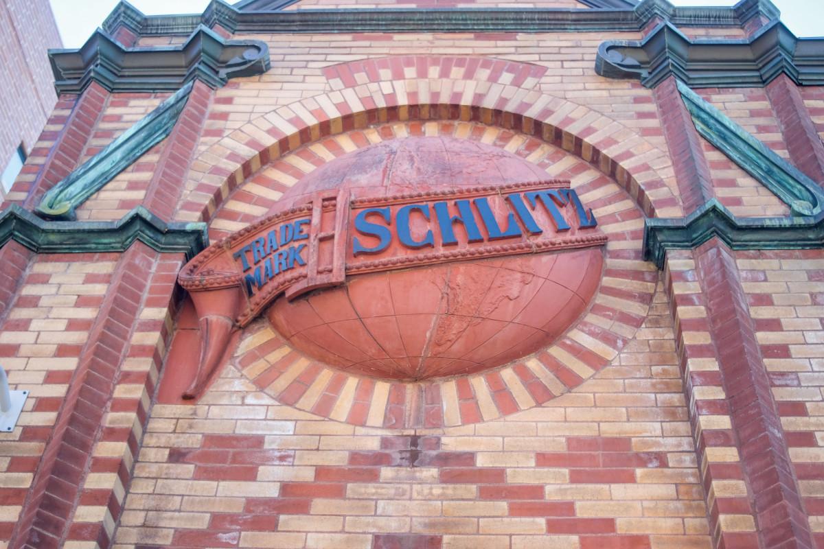 Schlitz Tied House