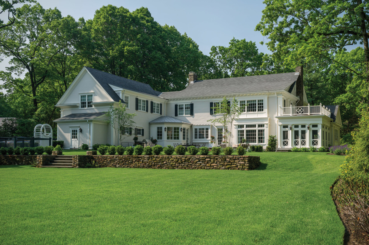 New England Colonial exterior
