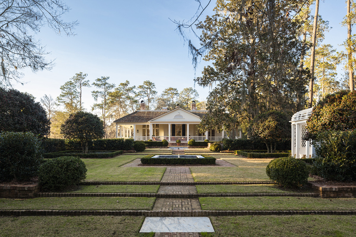 A New Residence in the South, G. P. Schafer Architect, DPC, Palladio Award Winner