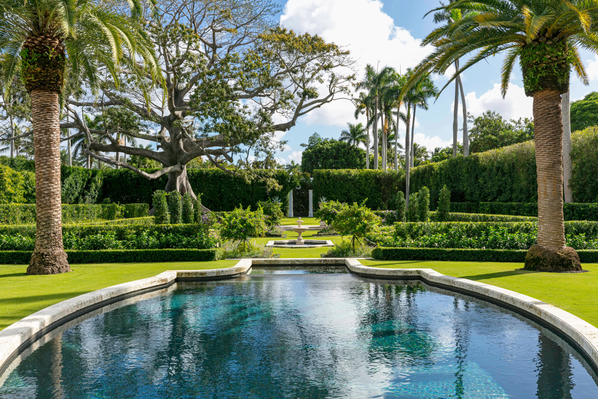 Landmarked John Volk Estate, Fernando Wong Outdoor Living Design, Palladio Award Winner