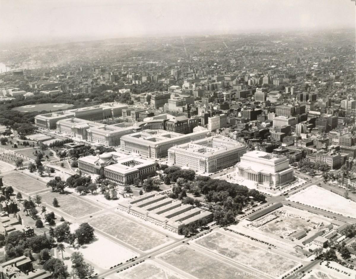 Federal Trangle, 1930