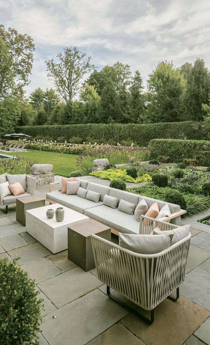 traditional garden, backyard seating area