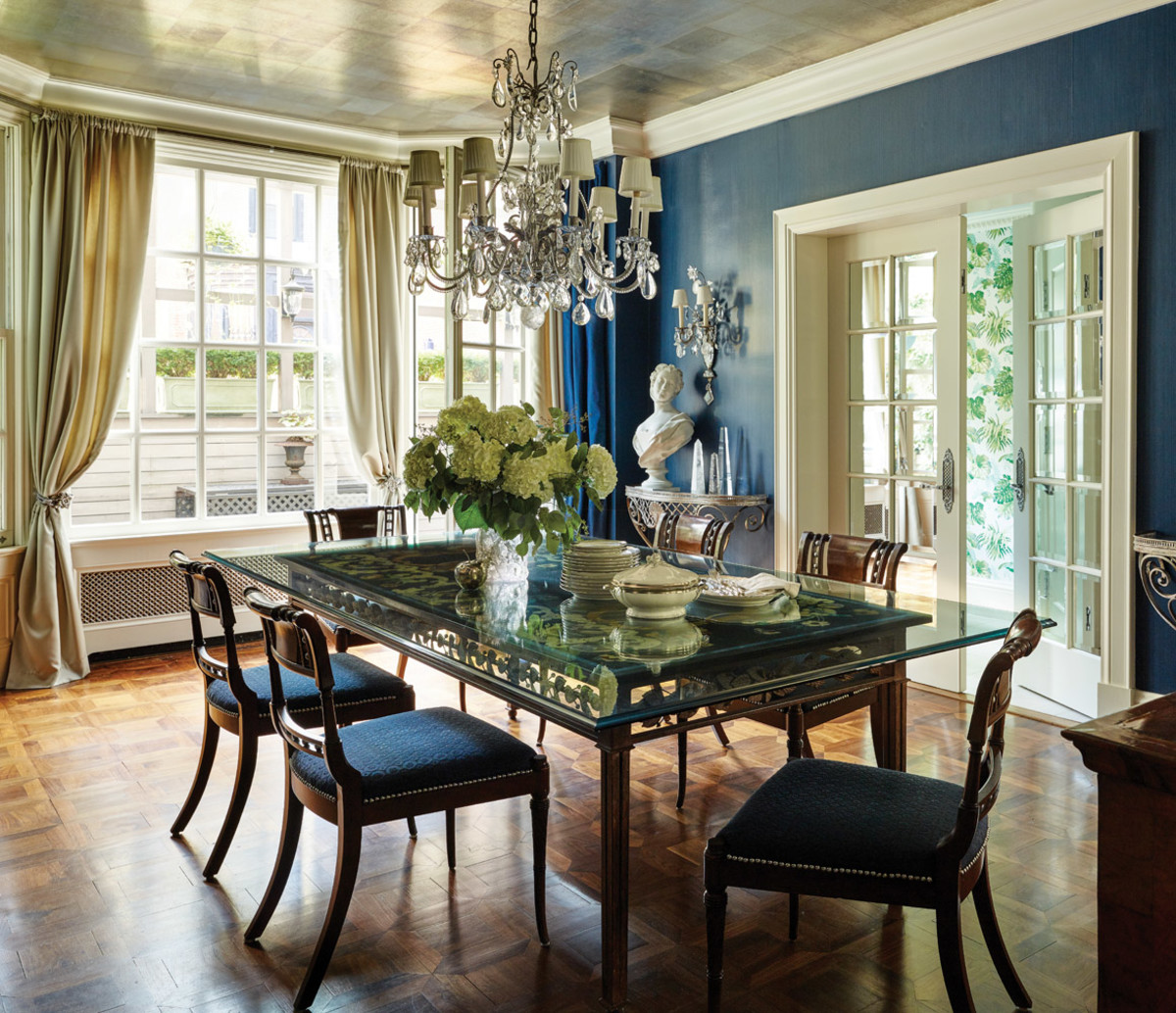 Delancy Place Townhouse, blue dining room