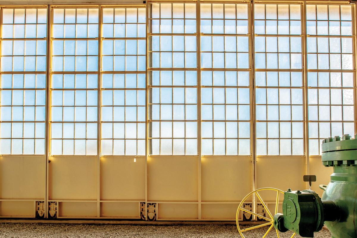 metal windows, hangar doors