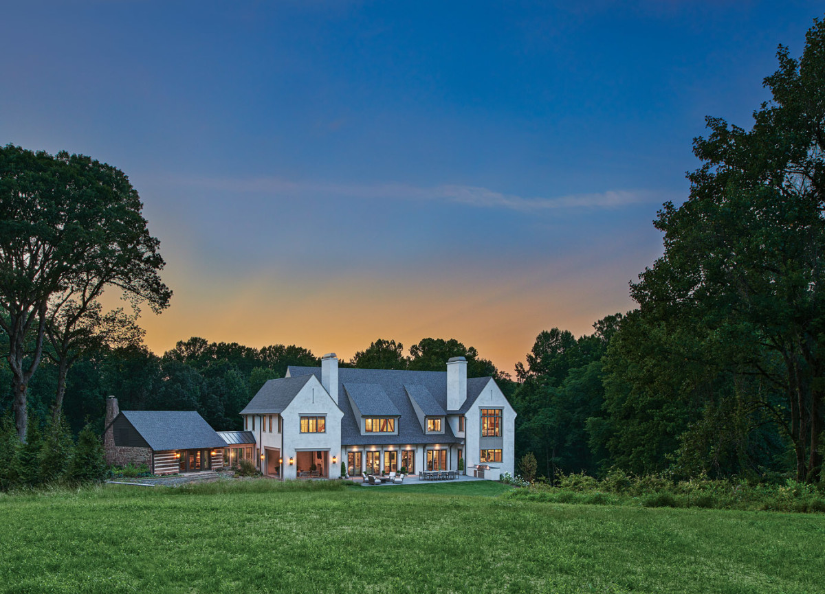 BarnesVanze English Country-style home