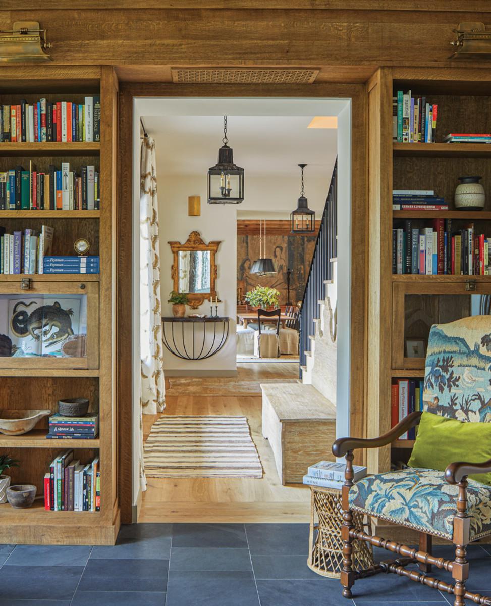 BarnesVanze, English Country-style living room