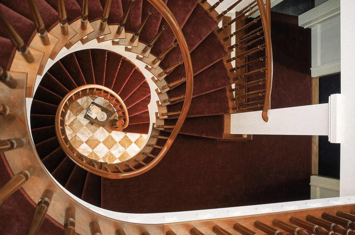 freestanding spiral staircase